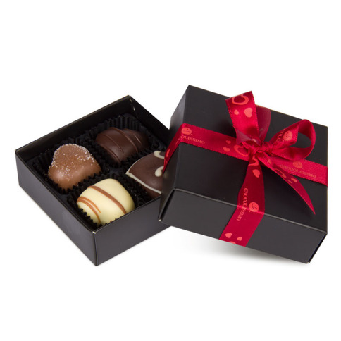 Ręcznie robione czekoladki, wykonane z miłości do piękna, roztopią każde serce